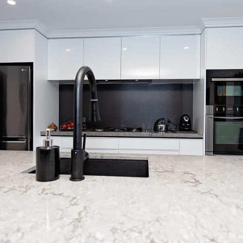 modern-kitchens-dickson